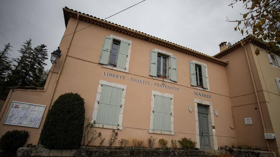 La mairie de La Roque-Esclapon fermée en raison d'un cas de Covid-19.