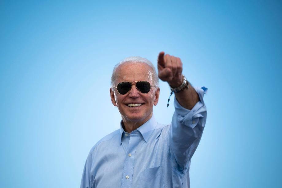 "Joe Biden lors d'un meeting de campagne en ""drive-in"" à Coconut Creek, en Floride, le 29 octobre 2020"