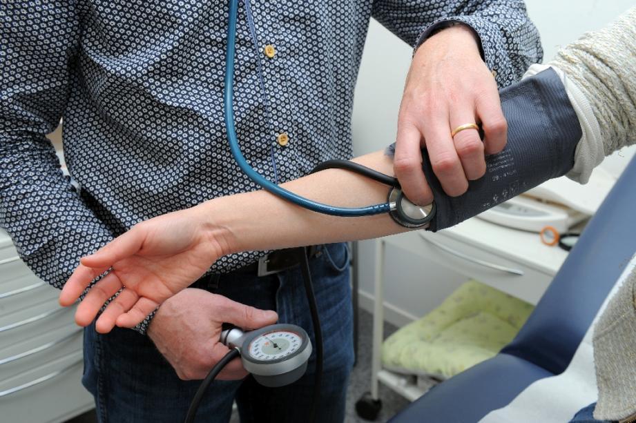 Les médecins généralistes débordés par l'afflux des cas contacts
