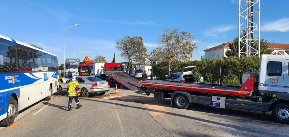L'accident s'est produit sur l'avenue des Bousquets à Cuers.