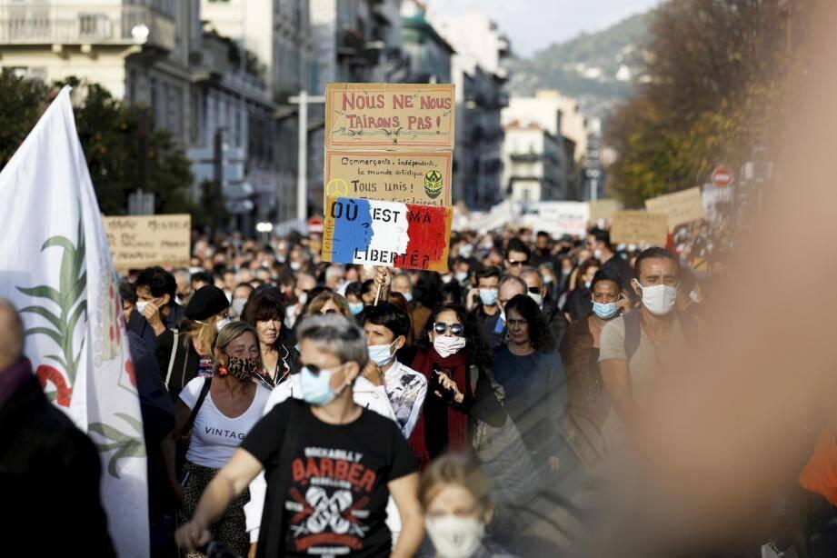Environ 200 personnes ont manifesté à Nice, mardi 17 novembre, contre la loi ''sécurité globale'', jugée liberticide.