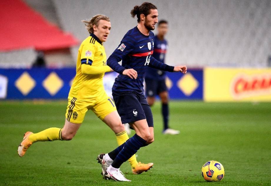 Adrien Rabiot en équipe de France contre la Suède le 17 novembre 2020 au Stade de France à Saint-Denis aux portes de Paris