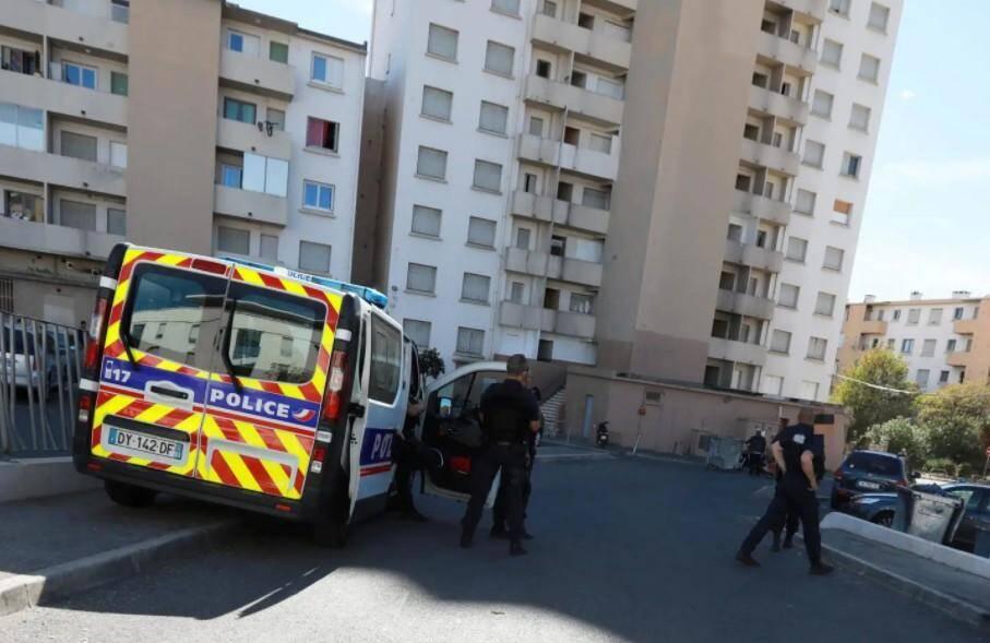 e tireur était parvenu à échapper à la police dans le dédale des tours de la cité de La Grande Plaine, à Toulon.