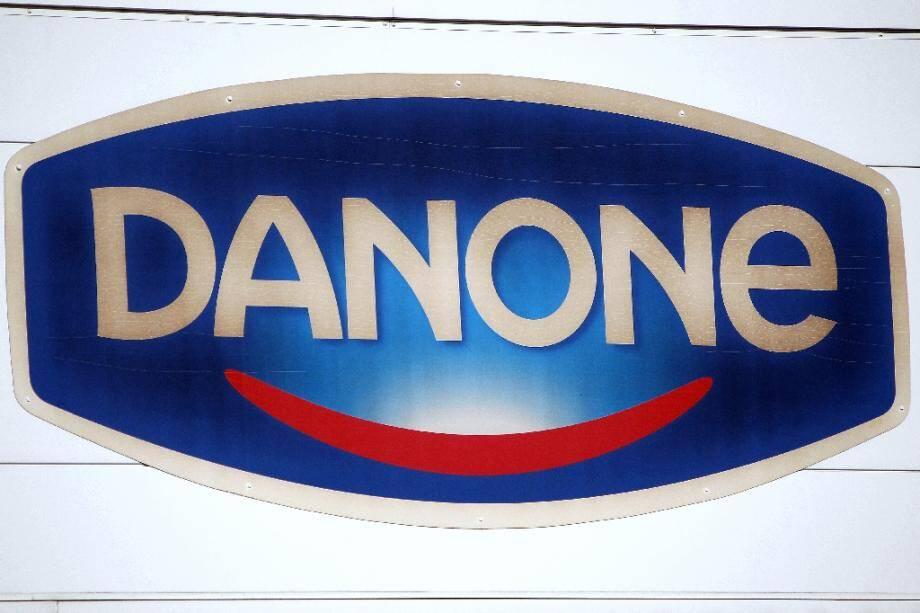 Le géant agroalimentaire français Danone, dont les ventes sont malmenées par la pandémie de Covid-19, annonce lundi vouloir supprimer jusqu'à 2.000 postes dans ses sièges en France et à l'étranger
