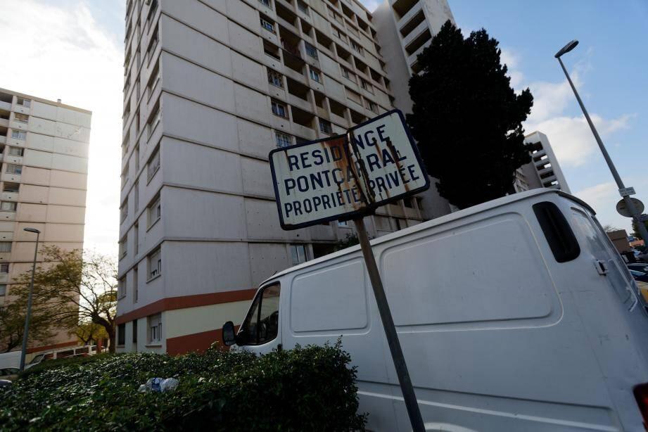 Le prévenu avait été interpellé à Toulon le 21 octobre alors que des policiers étaient en surveillance autour du bâtiment A de la résidence Pontcarral.
