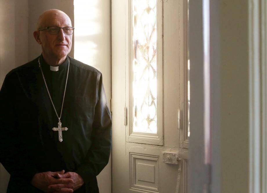 Monseigneur Rey, évêque du diocèse de Fréjus-Toulon, attend de nouvelles propositions du gouvernement.
