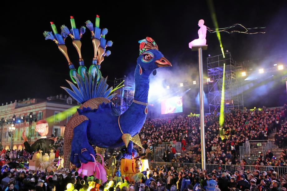 Pour l'édition 2020, le Carnaval, Roi de la mode, a paradé, tel un paon, fier et majestueux au milieu d'une place Masséna bondée à chaque sortie. En février, elle risque de mourir d'ennui et de tristesse...