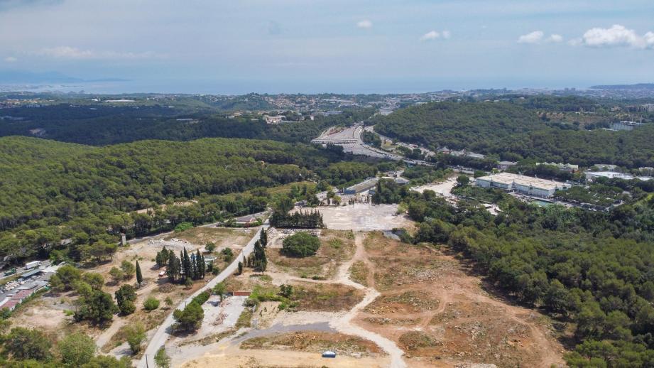 Vue en drone du chantier d'Open Sky à Valbonne.