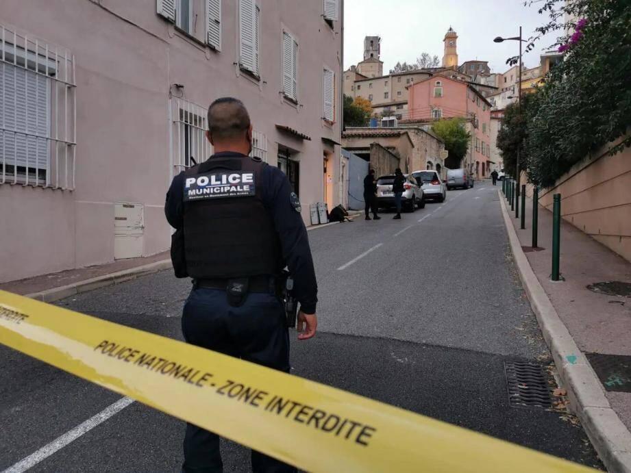 L'élu RN Patrick Isnard avait une série de questions à poser sur les trois individus interpellés à Grasse dans le cadre de l'enquête sur l'attentat à la basilique Notre-Dame de Nice.