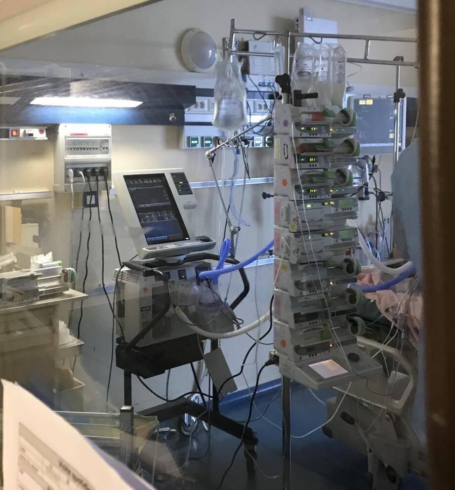 Les études des Drs Doyen et Jozwiak ont conclu à des atteintes cardiaques plus fréquentes chez les patients Covid admis en réanimation.