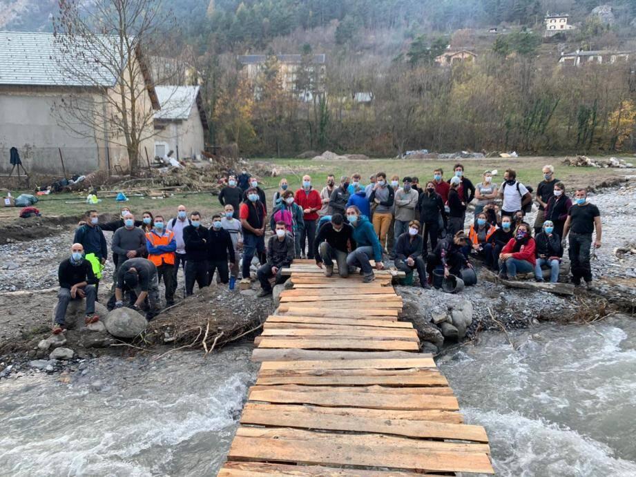 À Tende, les bénévoles ont rendu un accès routier et l'approvisionnement en eau à Hervé et Marie.