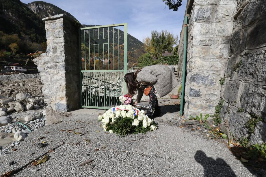 Pour célébrer les Défunts, personne n'a pu entrer dans le cimetière de Saint-Martin-Vésubie dévasté par la crue, par sécurité.