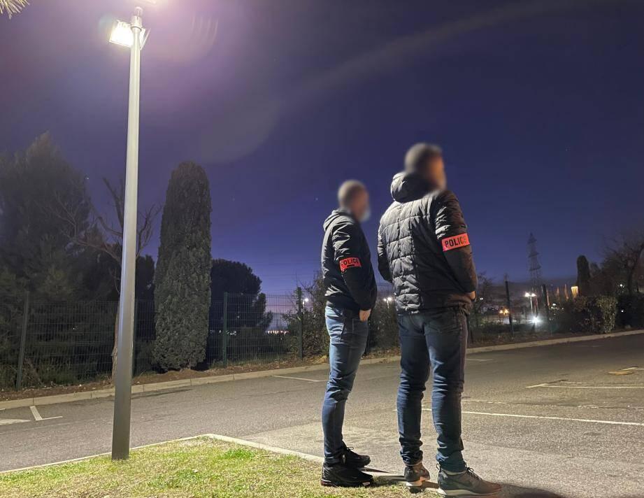 Maxime et Vincenzo ont frôlé le drame dans le 14e arrondissement de Marseille. Les policiers se retrouvent devant une délinquance de plus en plus violente.