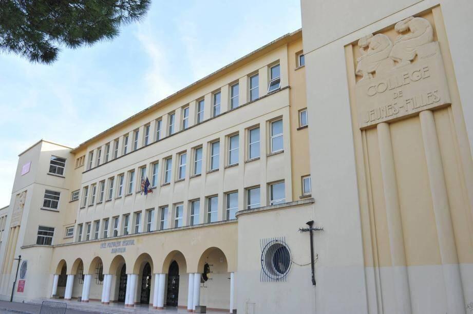 Le Lycée Jean Moulin à Draguignan.