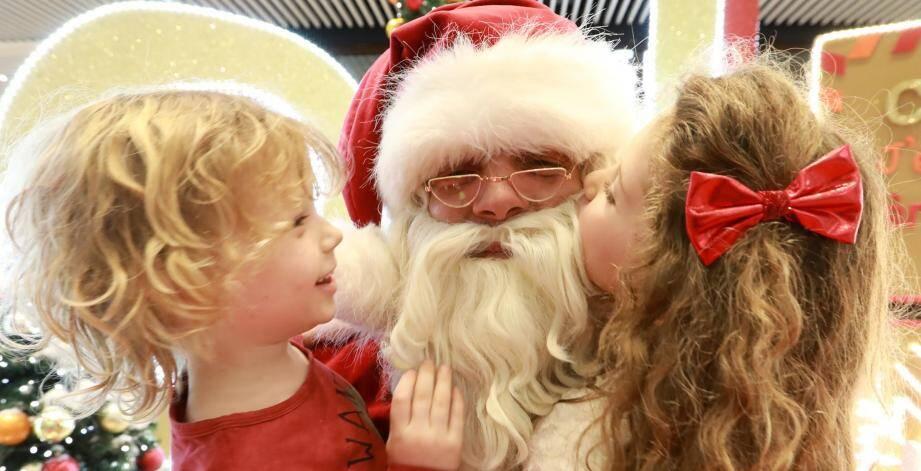Le père Noël lors de son passage à Cap 3000.