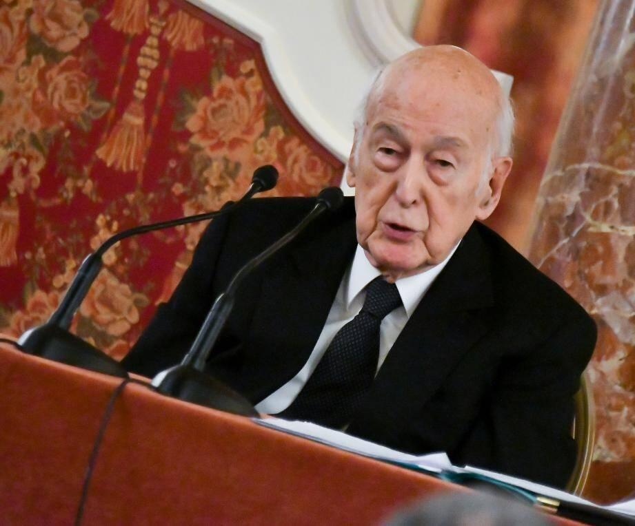 L'ancien président Valéry Giscard d'Estaing hospitalisé à Tours