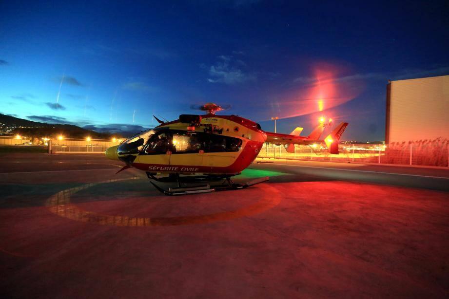 Dragon 06, l'hélicoptère de la Sécurité civile, a été dépêché sur place.