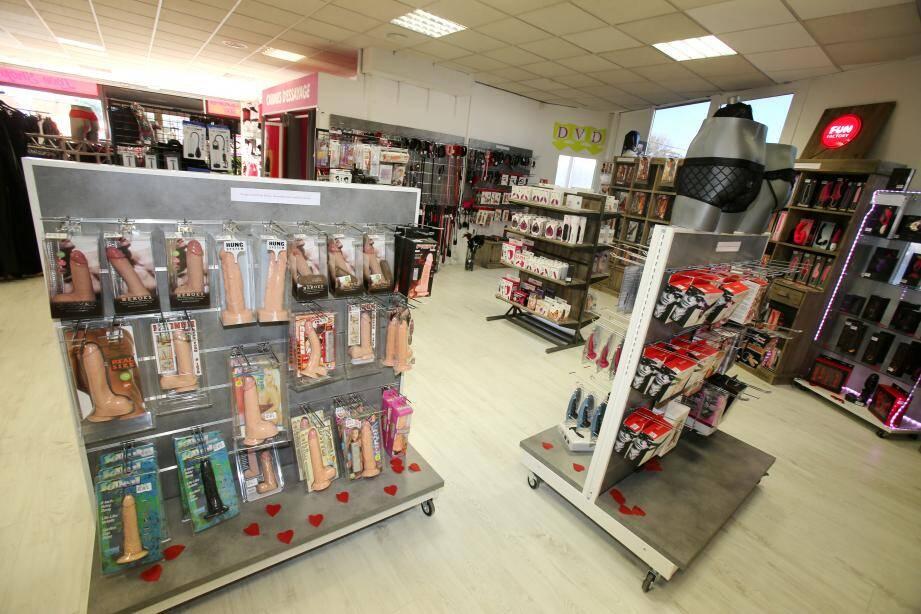 Ouverture d'un Love Shop Jacquie et Michel à Villeneuve-Loubet, en février.