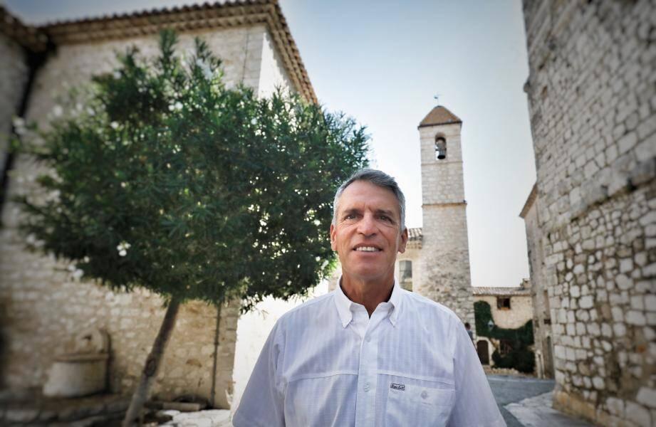 Le maire de Saint-Paul Jean-Pierre Camilla, a décidé de faire appel du jugement du tribunal qui avait annulé l'élection municipale des 15 mars et 28 juin dans la commune.