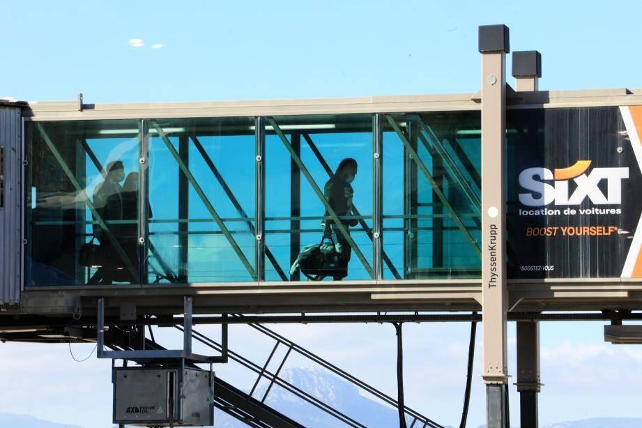 La rampe avant d'entrer dans un avion, à l'aéroport de Nice. Un (doux) souvenir...