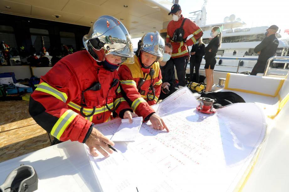 Les pompiers de Monaco en plein exercice.
