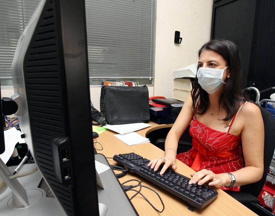 Les masques sont obligatoires en entreprise.