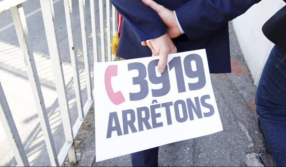Le 3919 est le numéro national de référence d'écoute téléphonique et d'orientation à destination des femmes victimes de violences.