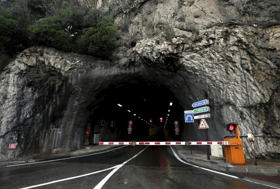 Le tunnel est toujours fermé à la circulation.