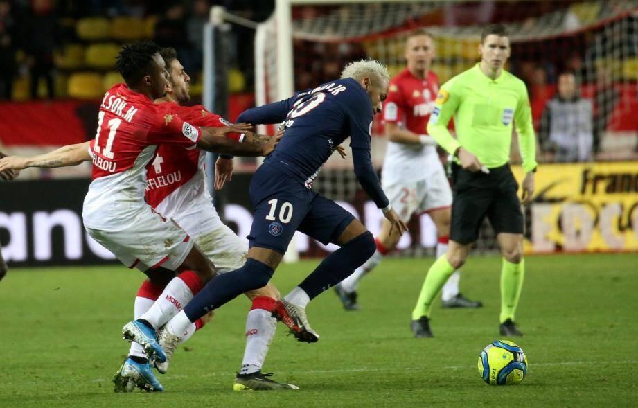Le 15 janvier 2020, les Monégasques s'étaient lourdement inclinés contre le PSG quelques jours après un match nul spectaculaire 3-3 au Parc des Princes.