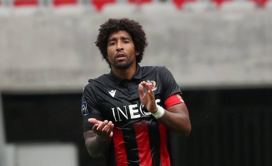 24 maillots portés par les joueurs en hommage à Dante, blessé, seront mis en jeu lors d'une tombola solidaire.