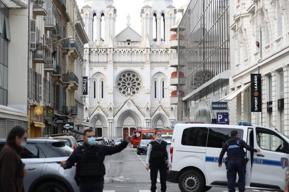 La basilique Notre-Dame de Nice, vue depuis l'avenue Notre-Dame, le 29 octobre 2020, jour de l'attentat terroriste qui a coûté la vie à trois personnes.
