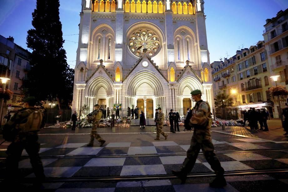 Un hommage aux trois victimes de l'attentat de Notre-Dame à Nice sera prochainement rendu.