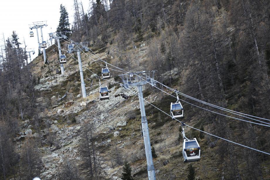 Les stations attendent la neige, peut-être ce week-end, mais surtout que le gouvernement revienne sur sa décision.