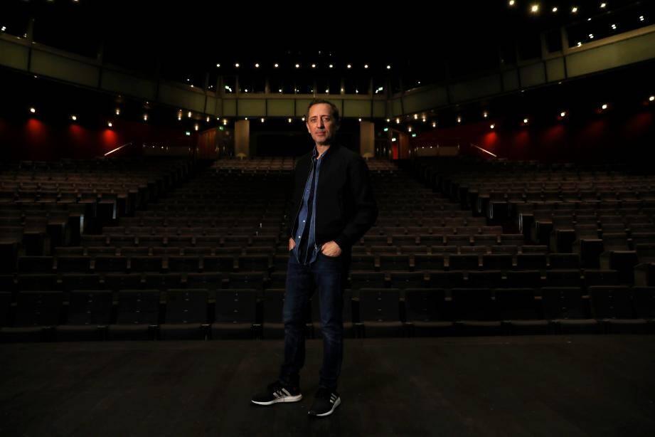 Gad Elmaleh avant les représentations de son nouveau spectacle du 3 et 4 décembre à la salle Prince-Pierre du Grimaldi Forum.