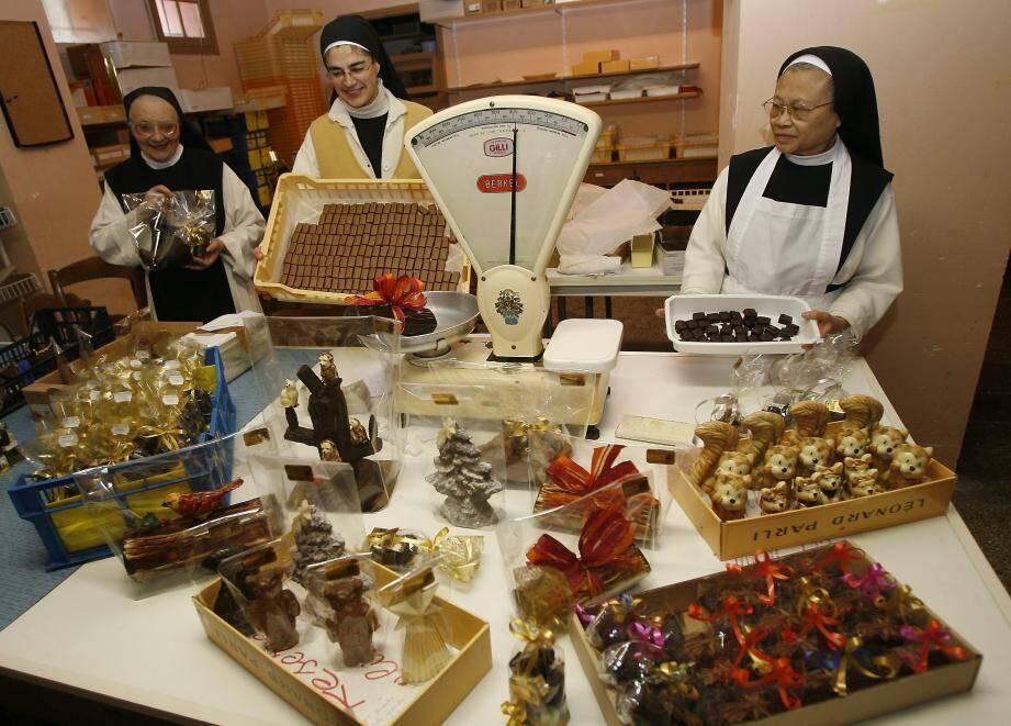 Les sœurs de Castagniers lancent une nouvelle recette de chocolat noir à la fleur de sel en vente en ligne chez DivineBox.