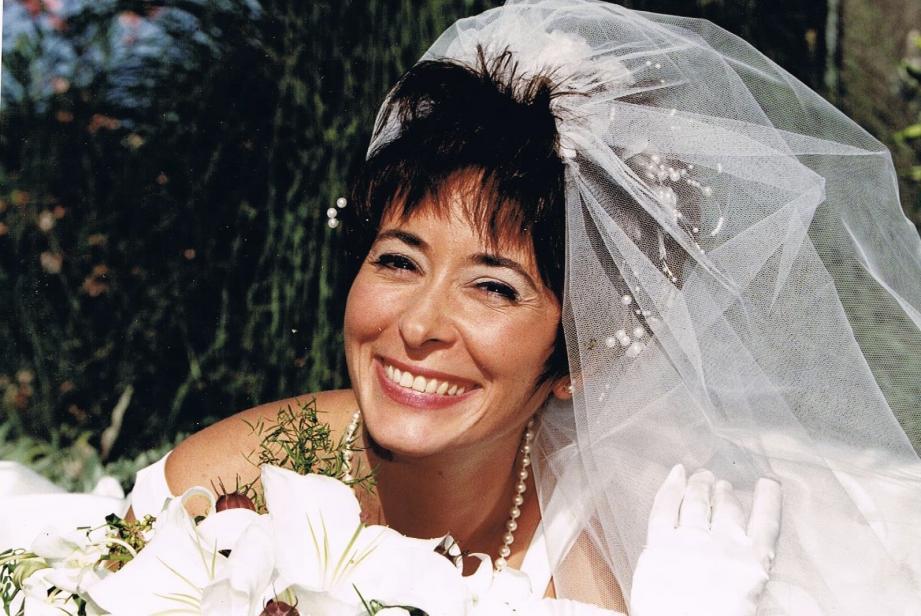 Nadine Devillers, une des trois victimes de l'attentat à Notre-Dame, lors de son mariage à Mougins en 1997.