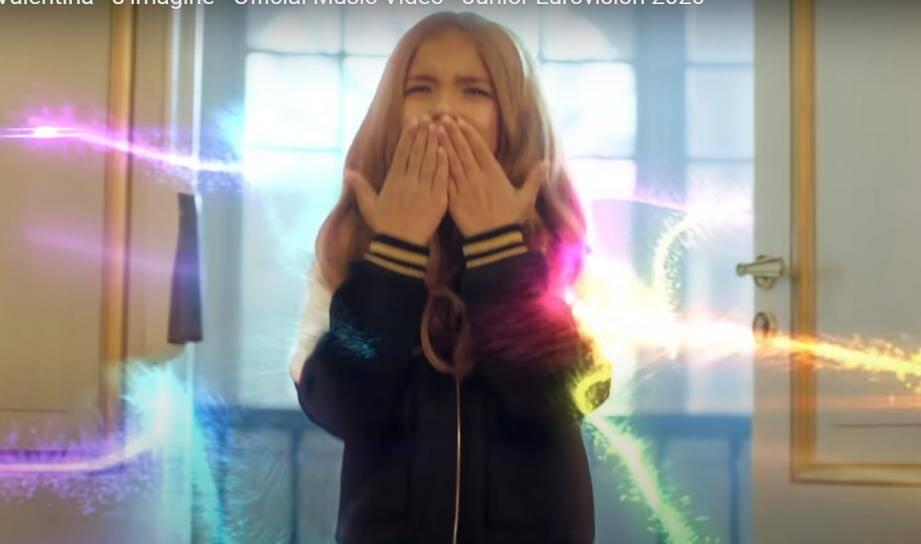 """""""Comme un conte de fées"""" : Valentina, qui a remporté dimanche l'Eurovision Junior à Varsovie, a confié à l'AFP son émotion et sa fierté d'avoir fait gagner pour la première fois la France dans ce concours."""
