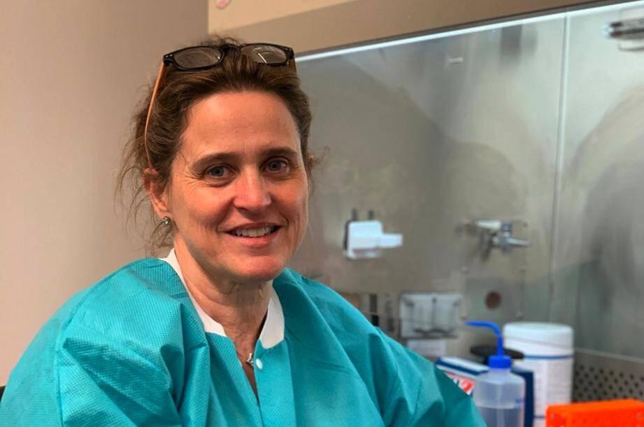 Installée aux Etats-Unis depuis vingt-cinq ans, Agnès Viale travaille dans un grand laboratoire de recherche.