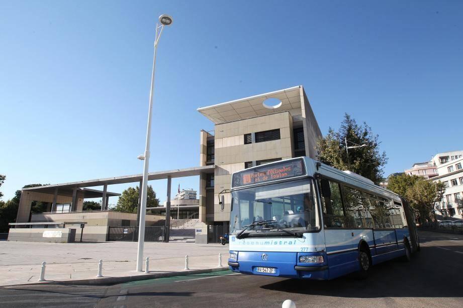 Dès lundi, les bus de Toulon et de la Métropole adaptent leurs horaires au confinement.
