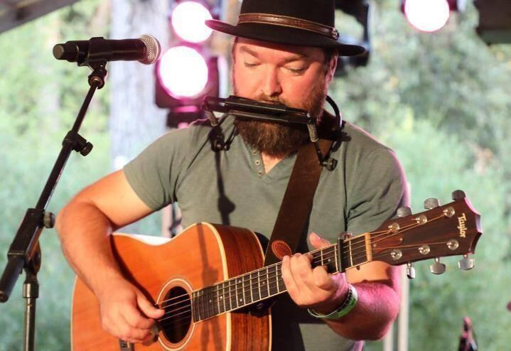Chaque jour, le musicien de la Fontonne propose une nouvelle chanson à découvrir gratuitement sur sa chaîne YouTube.