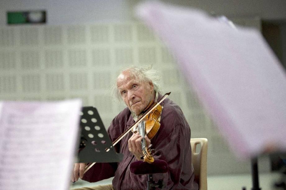 Le violoniste israélien Ivry itlis en août 2011 à Marseille