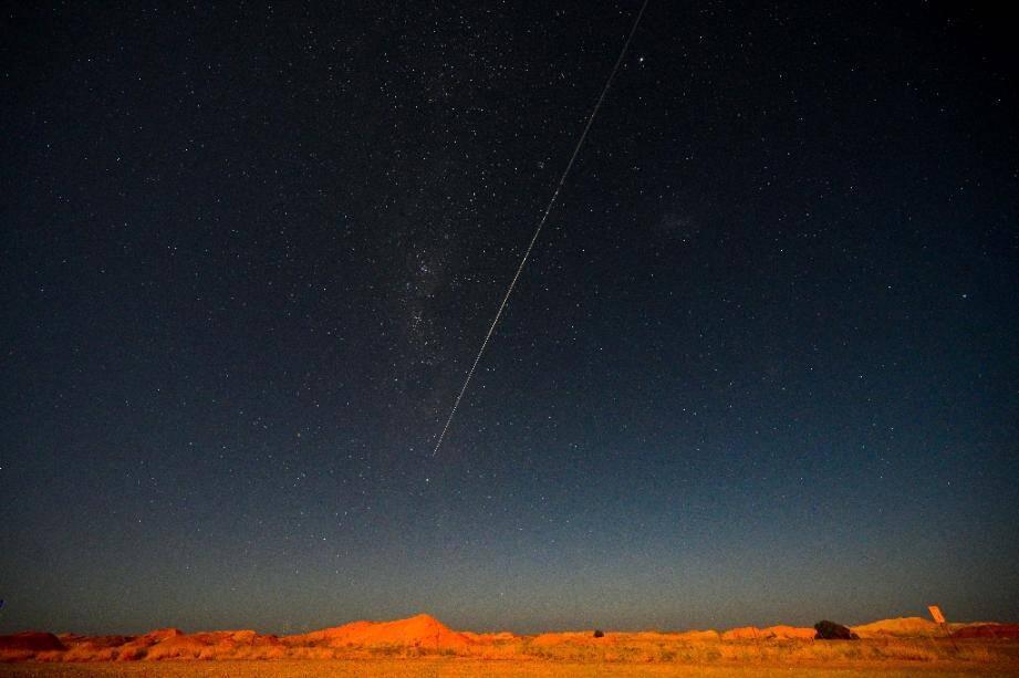 La sonde Hayabusa-2 chargée d'échantillons d'astéroïde vue depuis Coober Pedy, en Australie, le 6 décembre 2020