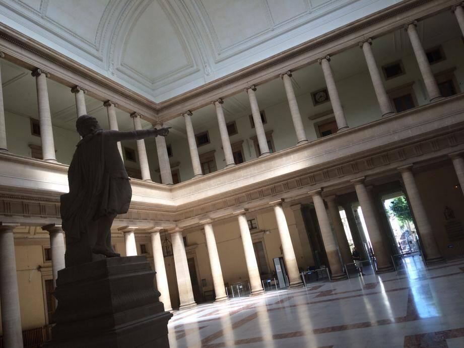 Les accusés avaient répondu de leurs actes une première fois en novembre 2019, à Aix-en-Provence, devant la cour d'assises des Bouches-du-Rhône.