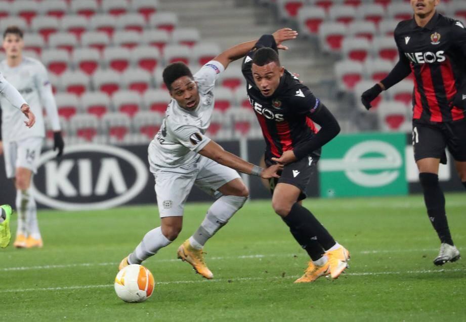 Buteur à Prague et au retour contre Leverkusen (ci-dessus), Ndoye a inscrit sa première réalisation dans le championnat de France à Nîmes.