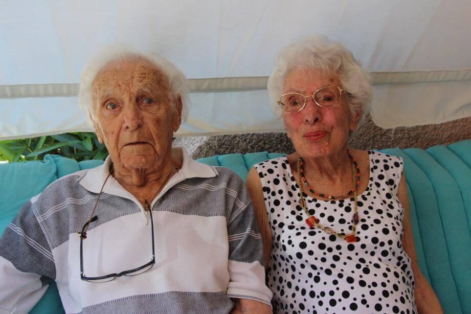 Paul Burguière, avec son épouse Suzanne, en juin dernier lors de ses 100 ans.