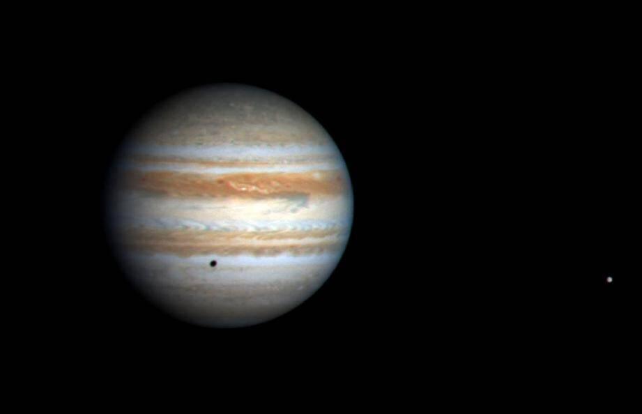 Image de la planète Jupiter prise par la sonde Cassini en octobre 2000