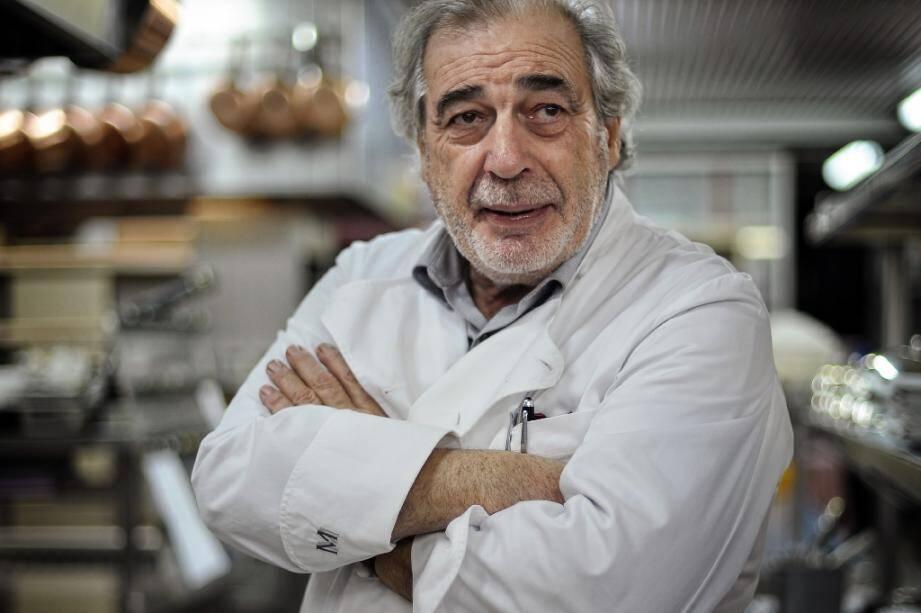 Le chef autodidacte Marc Meneau dans la cuisine de son restaurant L'Espérance en janvier 2011 à Vezelay