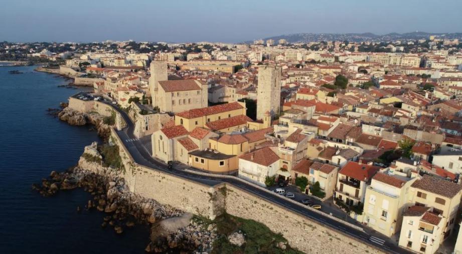 Le maire d'Antibes refuse de laisser la gestion de sa ville à la Casa