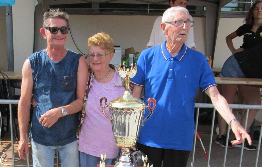 Il y a quelques mois, Claude «papy» Lalouette était très fier, aux côtés de son épouse et de son fils Laurent, actuel président de la section brignolaise de l'Athlétic club, de présenter le challenge «Papy Lalouette».