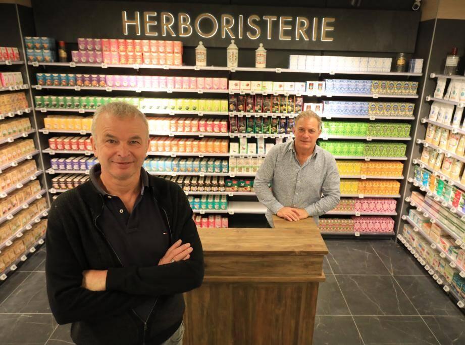 Hervé Courio et Arnaud De Longueval inaugurent ce lundi leur nouvelle pharmacie de Cap 3000.